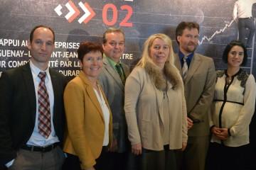 De gauche à droite: Nicolas Gagnon, CQDD; Sylvie Denis, MAPAQ, Carol Nepton, Rio Tinto; Lison Rhéaume, Emploi-Québec, Jean-François Delisle, CQDD et Marie-Christine Chenard, Nutrinor. (Photo: Jean-Luc Doumont)