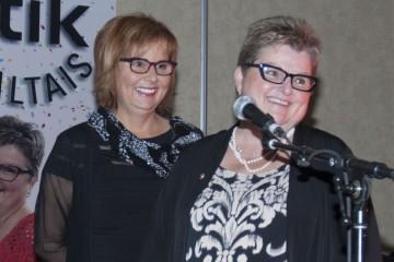 De gauche à droite: la Dre Hélène Maltais et Manon Maltais ood, les cofondatrices de Clinik Optik Maltais, lors de la soirée soulignant le 35e  anniversaire de l'entreprise. (Photo Guy Bouchard)