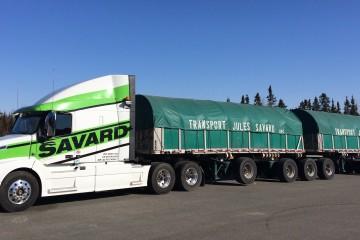 Aujourd'hui, Transport Savard possède 50 camions, 35 voituriers et 150 remorques à Saguenay. (Photo: Courtoisie)