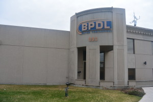 Voici l'entrée principale de BPDL dans le parc industriel à Alma. (Photo: Jean-Luc Doumont)