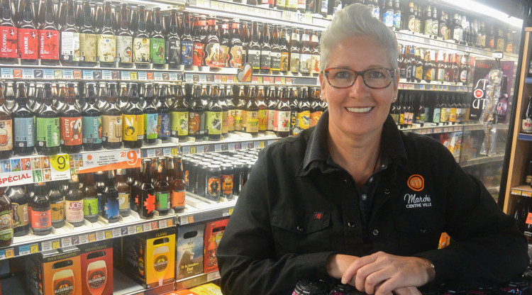Caroline Bouchard est propriétaire depuis 25 ans du Marché Centre-Ville Chicoutimi. (Photo: Jean-Luc Doumont)