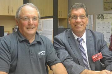 De gauche à droite: Serge Blouin, président du C.A. et Bernard Angers, DG du CTA. Photo : Jean-Luc Doumont