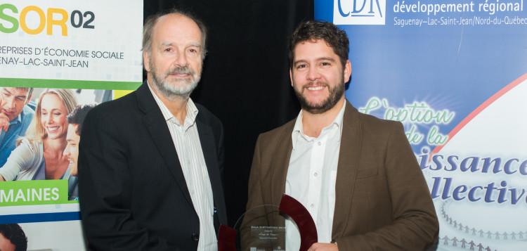 De gauche à droite: Jean Paradis, président du C.A. de Négawatts et Dave Gosselin, DG de Négawatts. Photo : Courtoisie Essor-02.