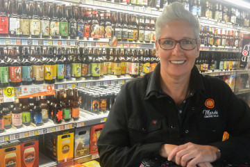 Caroline Bouchard, propriétaire du Marché Centre-Ville et de la Boucherie Claude Fortier à Saguenay. (Photo : Jean-Luc Doumont)