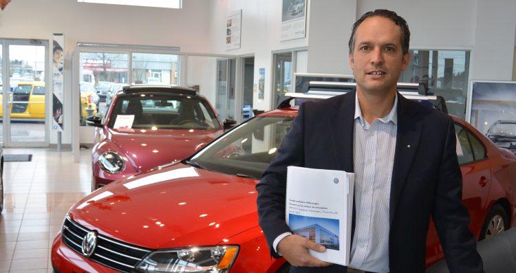 Daniel Côté, copropriétaire et directeur général chez Saguenay Volkswagen. (Photo: Jean-Luc Doumont)