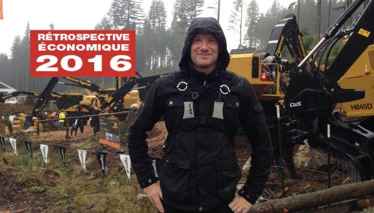 Sébastien Tremblay devant des machines forestières en opération au « Demo International 2016 » à Maple Ridge en Colombie-Britannique. (Photo courtoisie)