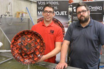 De gauche à droite: Félix Deschênes-Morin, graphiste et Dave Cantin, propriétaire de dClic Design. (Photo: Jean-Luc Doumont)