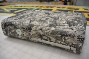 Voici à quoi ressemble un boitier d'un Xbox après le procédé d'hydrographie. (Photo: Jean-Luc Doumont)