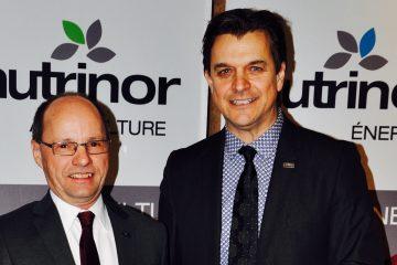 De gauche à droite: Jean Lavoie, président du C.A. de Nutrinor coopérative et Yves Girard, directeur général. (Photo : Courtoisie)