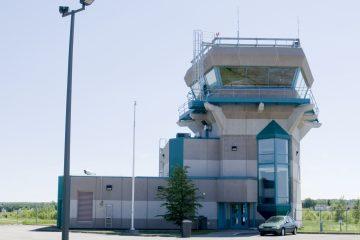 Les installations de NAV Canada, dans la tour d'observation de l'aéroport de Roberval (Photo archives)