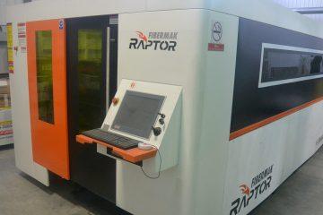 C'est dans cette découpeuse au laser que les différents produits sont réalisés à Alma. (Photo: Jean-Luc Doumont)