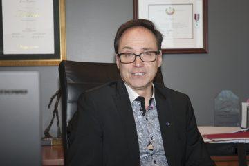 Éric Dufour, associé et vice-président de la région Saguenay-Lac-Saint-Jean, Chibougamau et Côte-Nord pour Raymond Chabot Grant Thornton. Il préside le comité sur l'Entreprenariat de la Fédération FCCQ. (Photo Guy Bouchard)