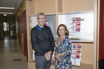 Gilbert Grenon et Colette Fournier, respectivement coordonnateur au développement des affaires et directrice du service de formation continue de Mastera, du Cégep de Jonquière. (Photo Guy Bouchard)